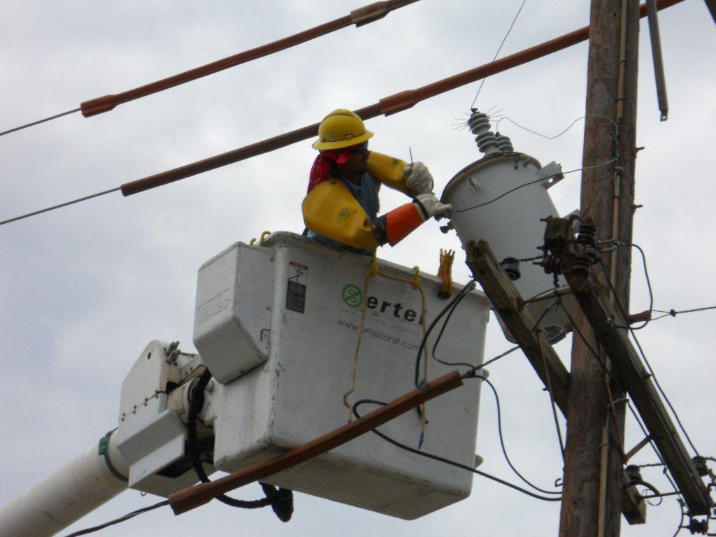 Superstorm Sandy, Help with Power Restoration on East coast